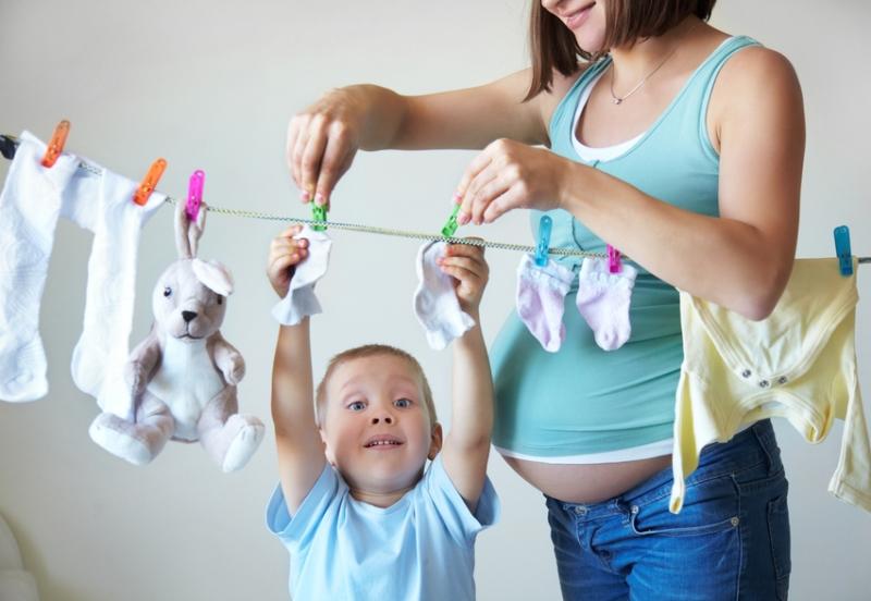 Сложно ли быть молодой мамой в наше время?