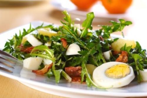 Салат из одуванчика