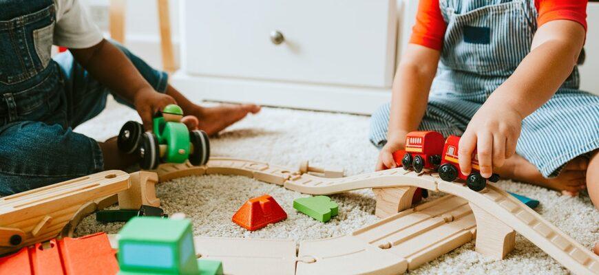Деревянные развивающие игрушки – идеальный подарок