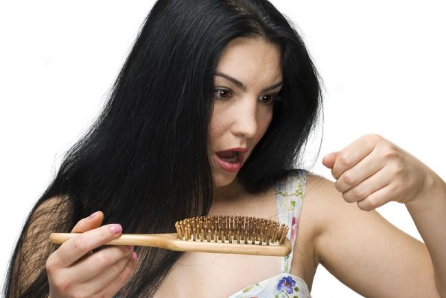 Причины выпадения волос на голове