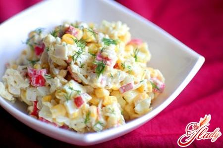 Крабовый салат с капустой: правильный рецепт с фото